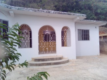3 Bedroom 2 Bath 2,000 Sq Ft House In Rock Hall