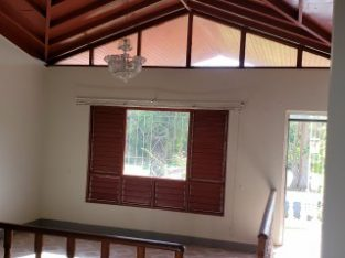 4 BED 3 BATH HOUSE FOR SALE IN HATFIELD MANDEVILLE, MANCHESTER, JAMAICA
