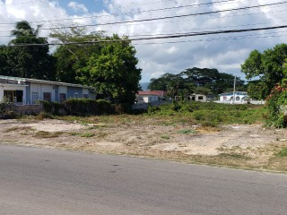 RESIDENTIAL LOT FOR SALE IN WESTMORE DRIVE, ST. CATHERINE, JAMAICA UNDER OFFER