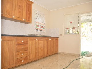 3 BED 2.5 BATH HOUSE FOR SALE IN CHUDLEIGH, MANCHESTER, JAMAICA UNDER OFFER