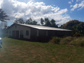 8 BED 5 BATH HOUSE FOR SALE IN LINSTEAD, ST. CATHERINE, JAMAICA