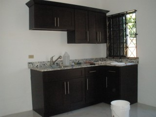 2 BED 1 BATH APARTMENT FOR RENT IN THREE OAKS GARDENS, KINGSTON / ST. ANDREW, JAMAICA