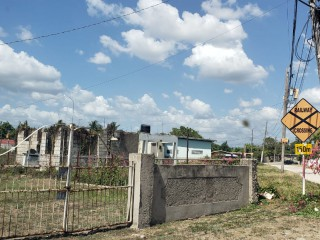 3 BED 2 BATH HOUSE FOR SALE IN CROMARTY, ST. CATHERINE, JAMAICA