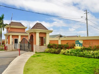 2 BED 2 BATH HOUSE FOR RENT IN DRAX HALL ST ANN, ST. ANN, JAMAICA