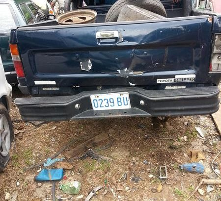 Toyota pick up front and back bumper nose cut