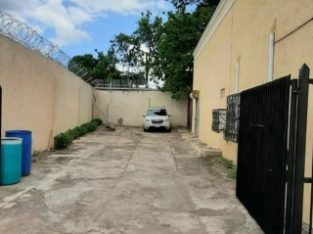 COMMERCIAL BUILDING FOR SALE IN KINGSTON 10, KINGSTON / ST. ANDREW, JAMAICA