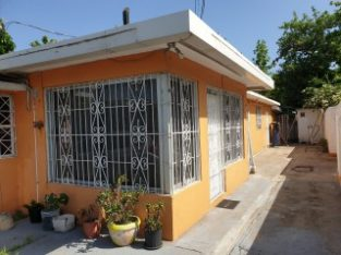 3 BED 2 BATH HOUSE FOR SALE IN PLEASANTON GARDENS, KINGSTON / ST. ANDREW, JAMAICA UNDER CONTRACT