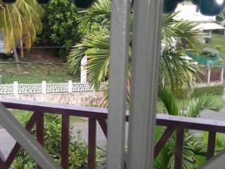 2 BED 1 BATH TOWNHOUSE FOR RENT IN TALLYMAN APARTMENTS, ST. JAMES, JAMAICA