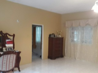 5 BED 5 BATH HOUSE FOR SALE IN ST JAGO HILLS, ST. CATHERINE, JAMAICA UNDER CONTRACT