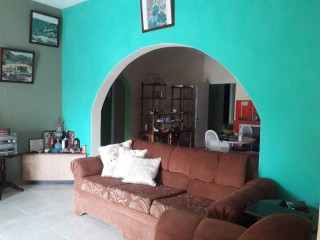 6 BED 4 BATH HOUSE FOR SALE IN WILLIAMSFIELD, MANCHESTER, JAMAICA