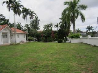 4 BED 4.5 BATH HOUSE FOR SALE IN WATERWORKS, KINGSTON / ST. ANDREW, JAMAICA