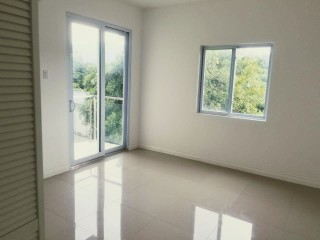 1 BED 1 BATH APARTMENT FOR SALE IN 10 SURBITION RD NEAR DEVON HOUSE, KINGSTON / ST. ANDREW, JAMAICA
