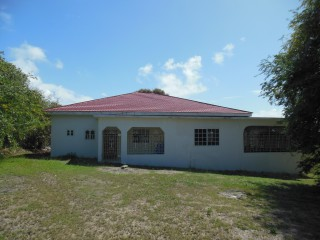 6 BED 5 BATH HOUSE FOR SALE IN PAMPHRET YALLAHS, ST. THOMAS, JAMAICA
