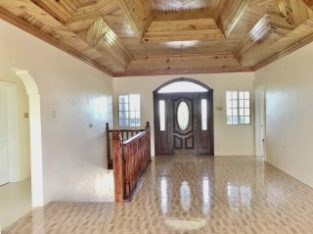 4 BED 3.5 BATH HOUSE FOR SALE IN SANTA CRUZ, ST. ELIZABETH, JAMAICA