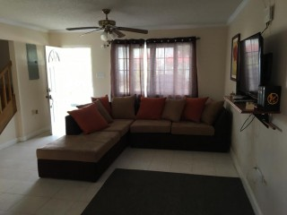2 BED 1.5 BATH TOWNHOUSE FOR RENT IN LONG MOUNTAIN COUNTRY CLUB, KINGSTON / ST. ANDREW, JAMAICA